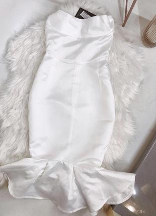 Шикарна білосніжна сукня!