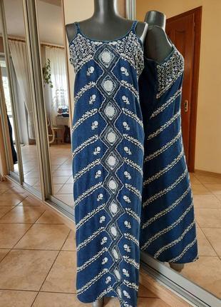 Вискозное с вышивкой платье 👗