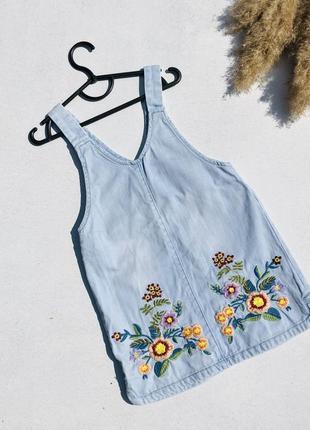 Голубой джинсовый сарафан вышивка