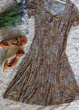 Легкое платье , анималистичный принт