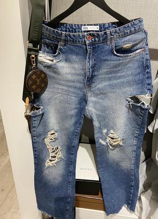 Крутые шикарные рваные джинсы с разрезами вырезами zara