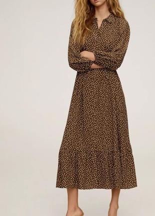 Красивое платье в горошек mango