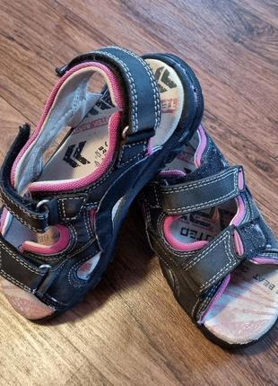 Літні сандалі від bartek роз.32