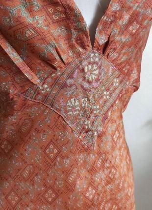 Шёлковое платье/сарафан длины миди с декольте в стиле бохо в орнамент nomads