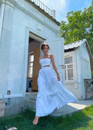 Летний прогулочный костюм юбка макси в пол с рюшами и топ бандо без бретелек