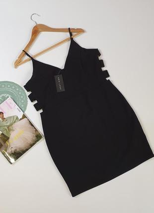 Черное платье на тонких бретелях new look с биркой