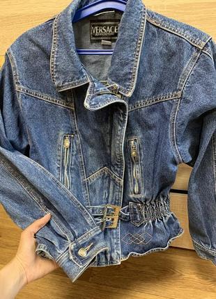 Versace s-m винтажная джинсовая куртка косуха на молнии и с пояском