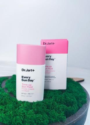 Флюид солнцезащитный тонирующий dr.jart+ every sun day tone up sun fluid spf50+ pa++++ 30 ml