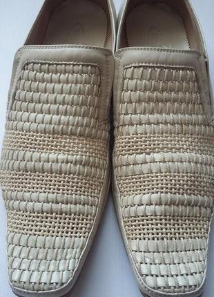 Светлые мужские туфли 40
