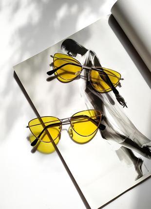 Солнцезащитные очки с делтыми линзами