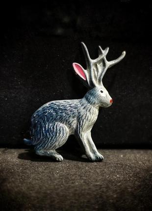 Миниатюрная винтажная брошь рогатый заяц кролень кролик с рогами