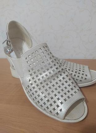 Летние туфли, босоножки