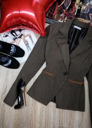 Новый трендовый коричневый женский пиджак в гусиную лапку с заплатками на рукавах с мужского плеча m i