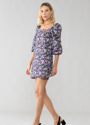 Лавандовое хлопковое цветочное платье lefties размер м вырез карэ и пышный рукав
