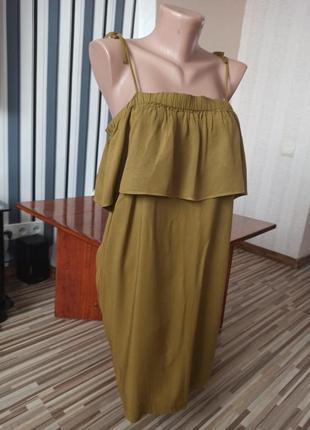 Оливковое платье на плечи