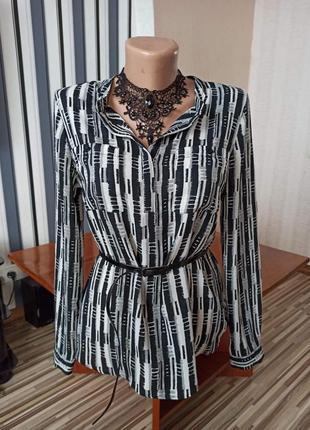 Оригинальная черно-белая блуза