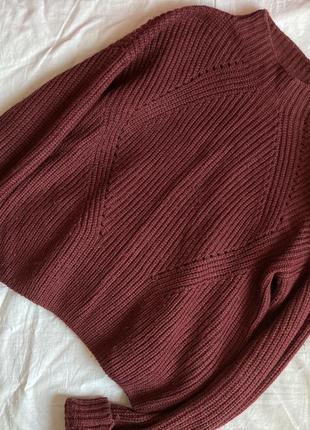 Укороченый свитер насыщенного винного цвета