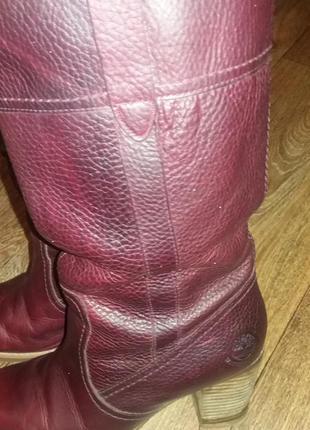 Кожаные сапоги timberland цвета бордо