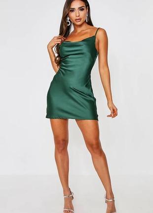 Маленькое сатиновое платье