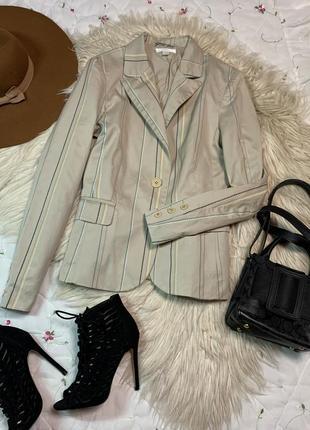 Стильный пиджак размер м