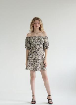 Сукня з відкритими плечима skorlyaeva