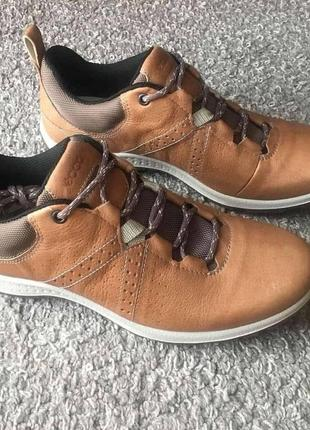 Бомбезні шкіряні кросівки