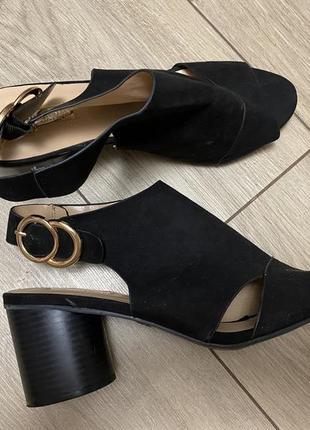 Сандали босоножки на каблуке женские