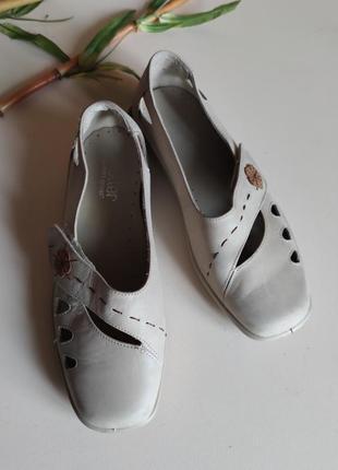 Кожаные туфли 39 hotter