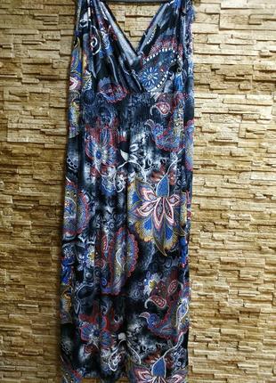 Красивое летнее платье, сарафан / масло