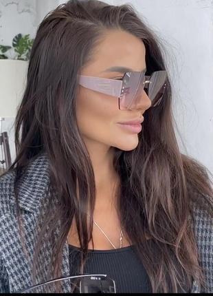 Шикарные идеальные очки с лого 🤩