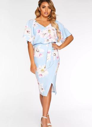 Quiz платье голубое с поясом принт цветы белые миди по фигуре летучая мышь ассиметрия