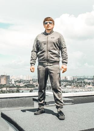 Серый мужской спорт-фешн костюм от ievenko