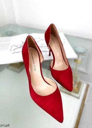 Шикарные женские замшевые красные  туфли лодочки на шпильке