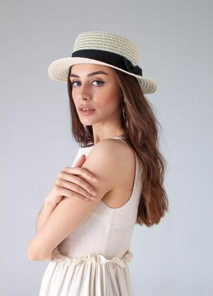 Пляжная шляпа канотье белая