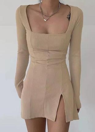 Платье разрез спереди впереди с разрезом трикотажное рубчик мини короткое