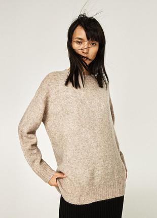 Шерстяной свитер от zara.