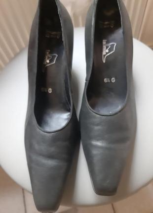 Кожаные туфли lamia