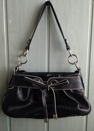 Стильная сумочка багет