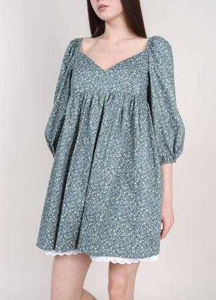 Хлопковое свободное /оверсайз платье в цветочный принт с кружевом  рукава буфы с-л