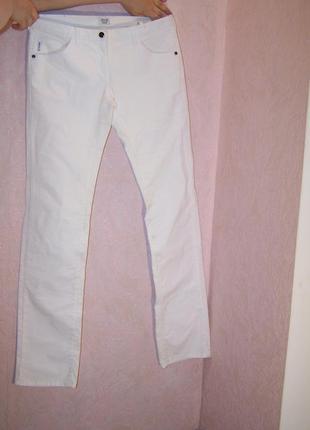 Белые микровельвет джинсы armani
