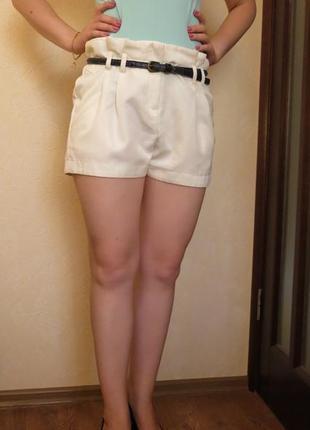 Белые шорты в отличном состоянии