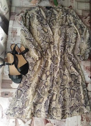 Летнее платье в змииный принт