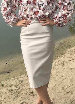 Нарядная цветочная блуза