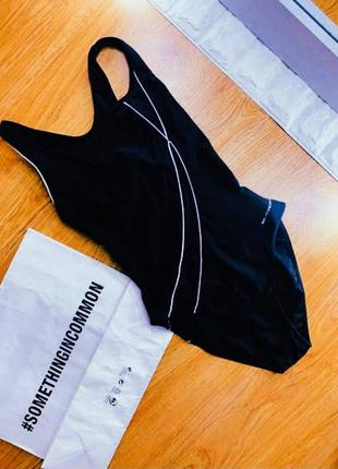 Сдельный/слитный  черный спортивный купальник