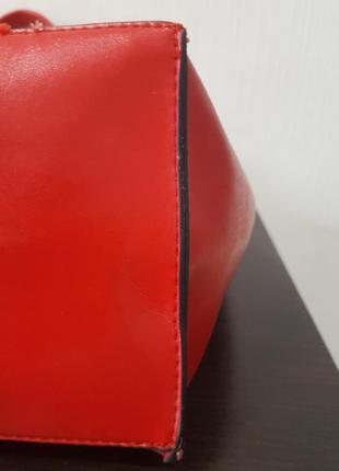 Яркая сумка красная daniele patrici