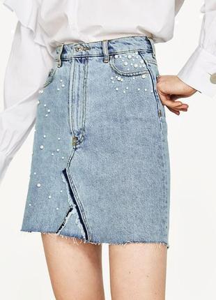 Стильная джинсовая юбка с жемчугом