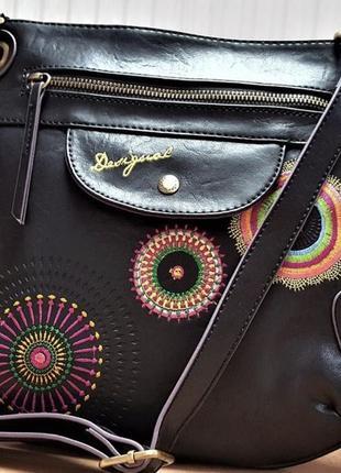 Стильная женская сумка desigual