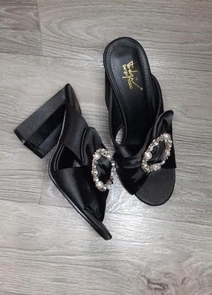 Босоножки,сабо,летняя обувь 38 размер