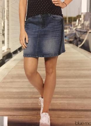 Скидки! джинсовая юбка с темно синими лампасами blue motion