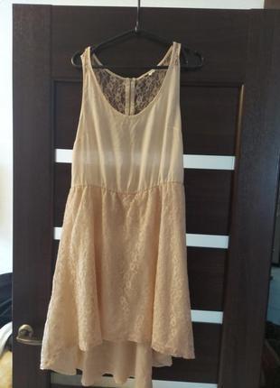 Платье размер л примерно